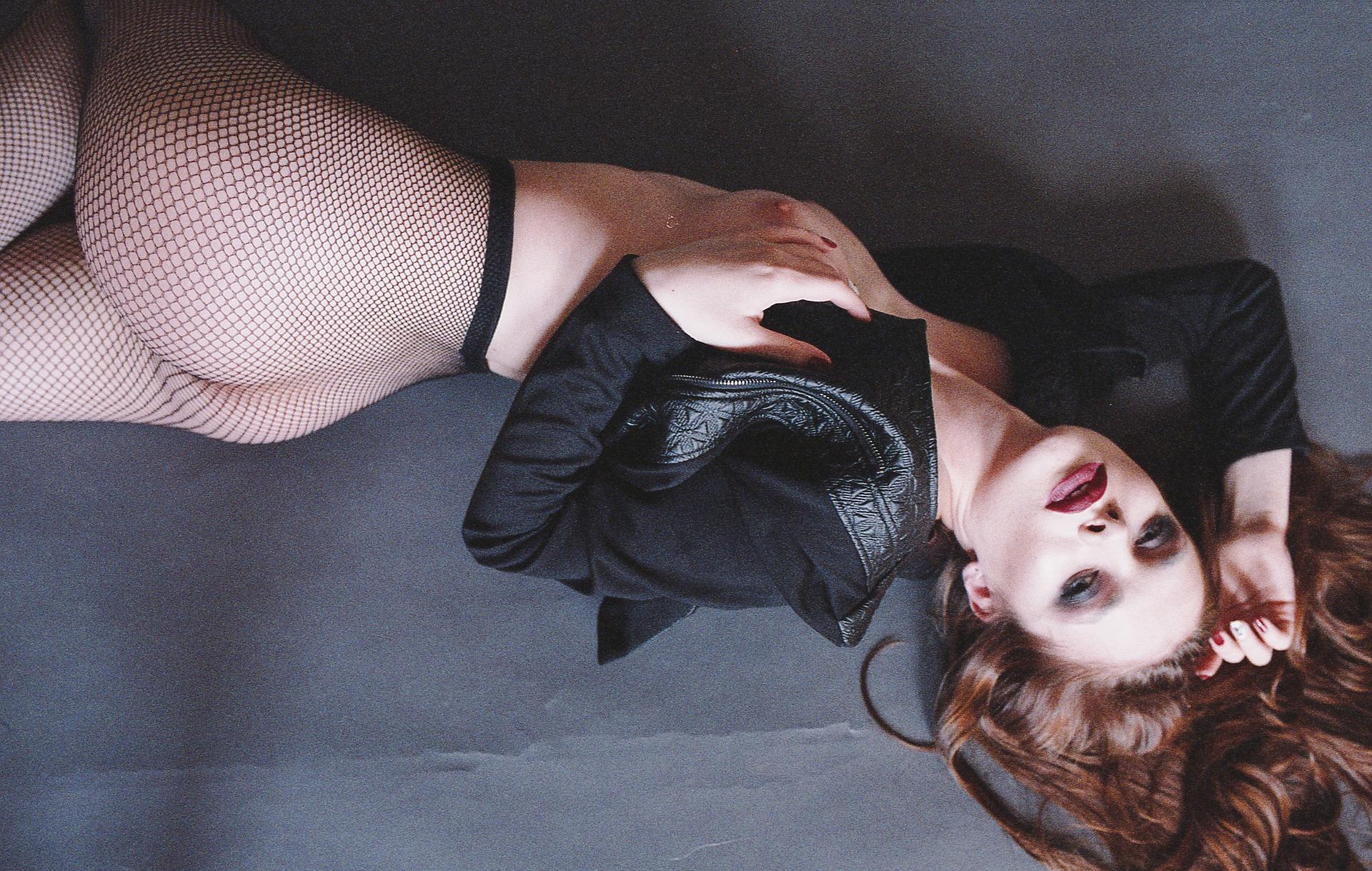 erotic-2285488_1920