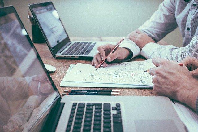 Online kariéra, ktorú môžete začať hneď aj bez peňazí