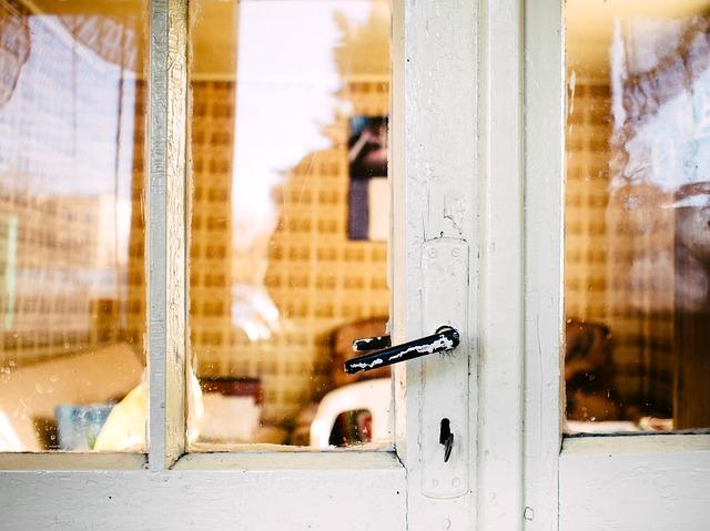 staré skleněné dveře