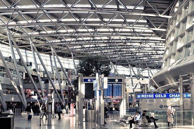 Meškanie alebo zrušenie letu a právo cestujúceho na kompenzáciu