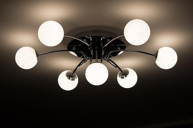 biele stropné osvetlenie