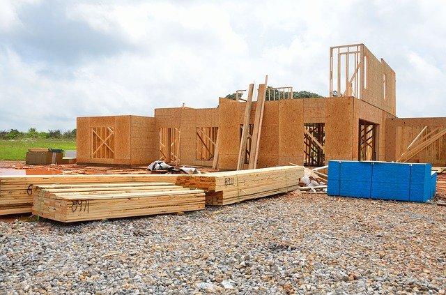Stavba dreveného domu.jpg